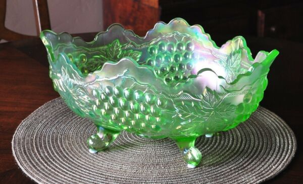 Antique - NORTHWOOD -ICE Green - GRAPE & CABLE - BANANA BOWL