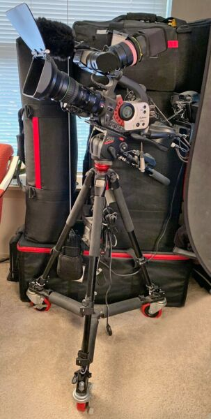 Complete Traveling Video Studio Canon XL1s Package Comprehensive Audio Lighting!