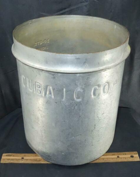 RARE OLD Heavy Metal 10qt Cuba Ice Cream Company Dairy Can Pail Bucket NY !
