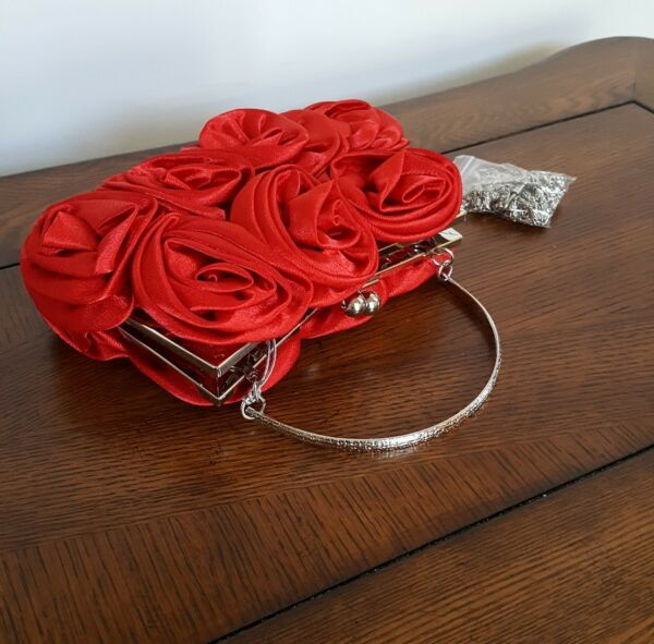 Bella Collection Red Purse Roses Silver Chain