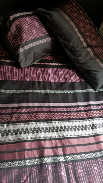 Linen House Double Single Quilt Cover Sets and two pillow covers AU $50.00