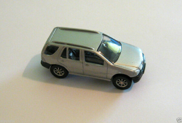 Maisto Mercedes Benz ML320 Die Cast Metal SUV 1 64 Silver Special Edition Truck $6.99