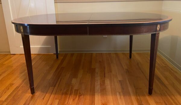 Stickley Mahogany Monroe Place Dining Table with 2 x 16