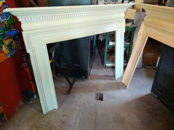 FIREPLACE MANTEL FIRE PLACE ARCHITECTURAL ANTIQUE-LOOK WOOD SHELF LIVING ROOM