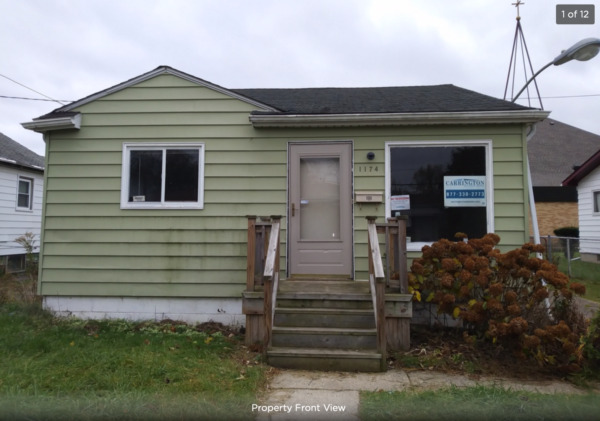 House for Sale in Flint Michigan (Fixer Upper As - Is)