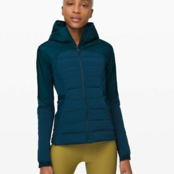 Lululemon Down for it all Jacket Night Diver  size 4 NWT $148.00