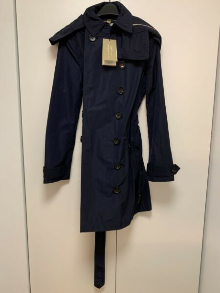 Burberry Women's Double Breasted Raincoat with Hood. Navy. Size 08 US. New wTags $299.00