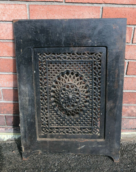 BEAUTIFUL ORNATE ANTIQUE CAST IRON FIREPLACE COVER VENT VICTORIAN 26.25 X 18.75quot;