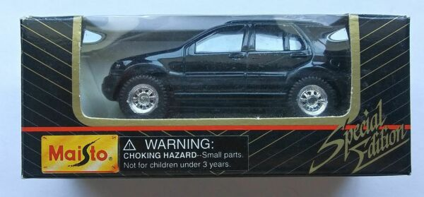 Maisto Mercedes Benz ML320 Die Cast Metal SUV 1 64 Special Edition Truck in Box $14.99
