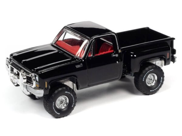 Auto World 1 64 1980 Chevy Custom Deluxe 10 Step Side Gloss Black Die Cast Car A