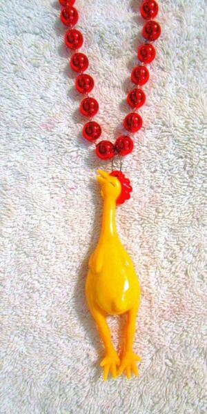 COOL quot;PLUCKED RUBBER CHICKENquot; MARDI GRAS NECKLACE BEAD POULTRY B108 $4.95