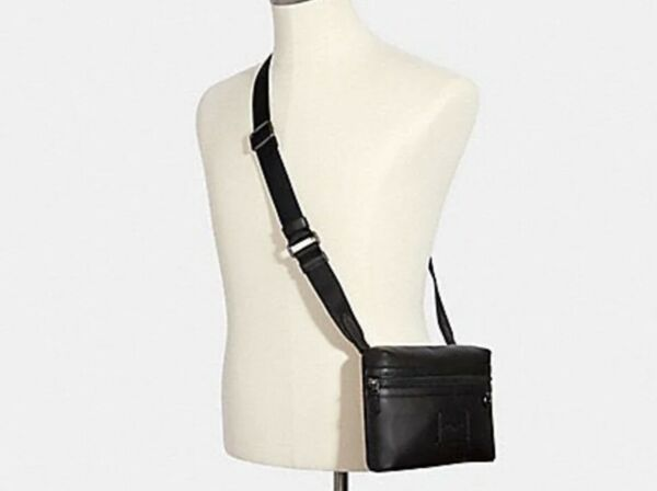 NEW and AUTHENTIC Coach Small Carrier Crossbody Black Unisex $105.00