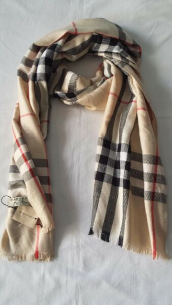 New Woman Burberry Scarf Col.Beige Made In Scotland 180x70cm. $83.00