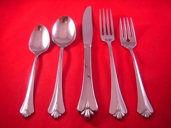 Oneida Royal Flute Stainless Flatware Your Choice NEW