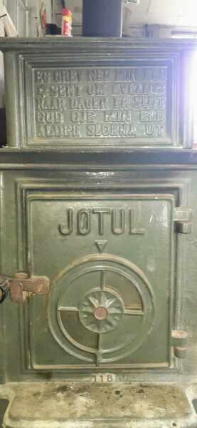 Antique Cast Iron Jotul 118 Wood Stove $316.00