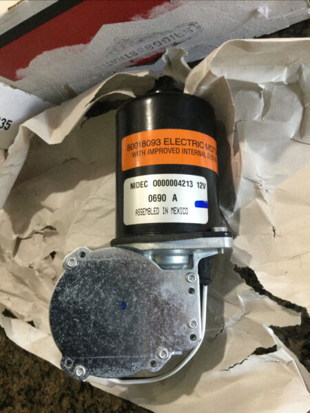 New OEM Simplicity Electric Motor for deck lift Old # 1715885SM New # 709509