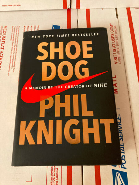 Shoe Dog: A Memoir by the Creator of Nike Knight Phil hardcover good condit $10.00