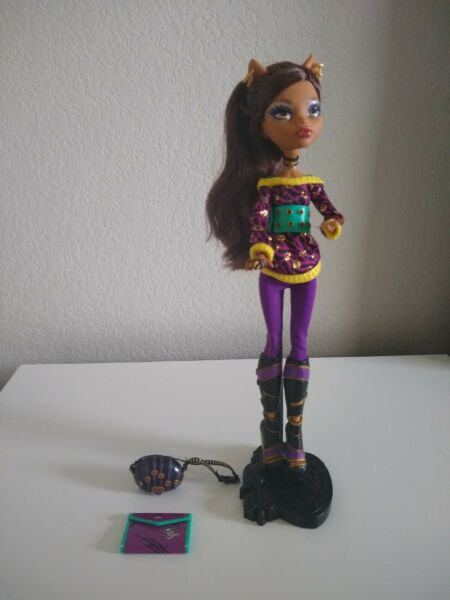 monster high schools out clawdeen $35.00