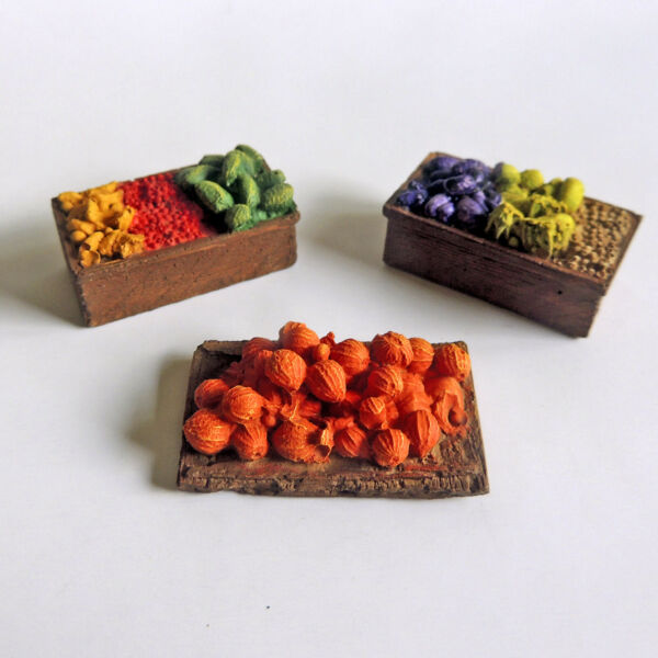 HO Scale PRODUCE CRATES amp; PALLET: Hand Painted Ready to Use Scenery Accessories