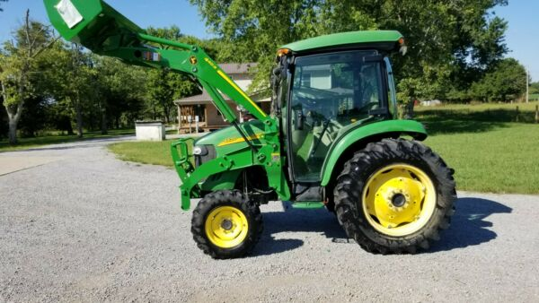 2005 John Deere 4520 4WD Tractor and Loader $26900.00