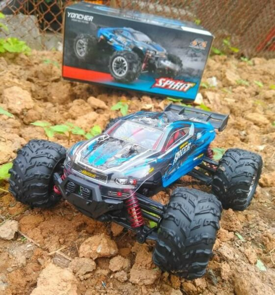 1 20 Scale Super power Racer RC Car 4WD High Speed 36 KM H $80.00