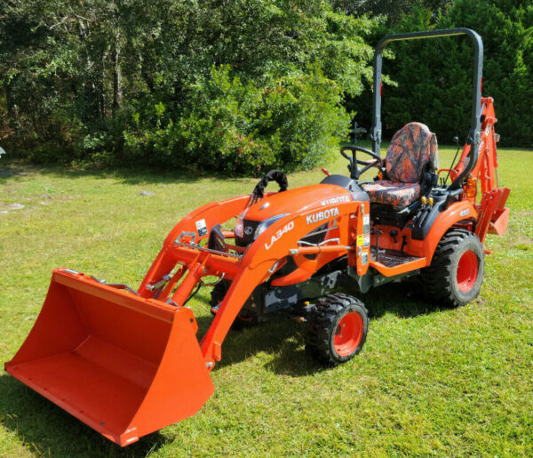 Kubota BX23S Tractor Loader Backhoe 94 hours with accessories and attachments $23500.00