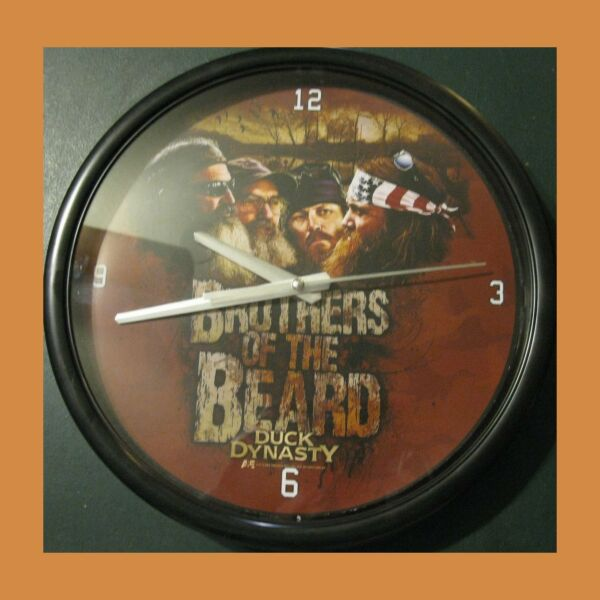 Duck Dynasty Brothers of the Beard 12quot; Black Clock Battery Memory Company Aamp;E