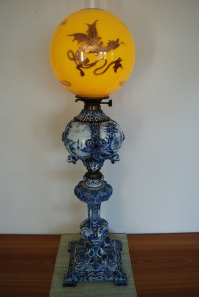 ANTIQUE KEROSENE OIL GWTW DELFT MAJOLICA PORCELAIN CHINESE JAPANESE DRAGON LAMP