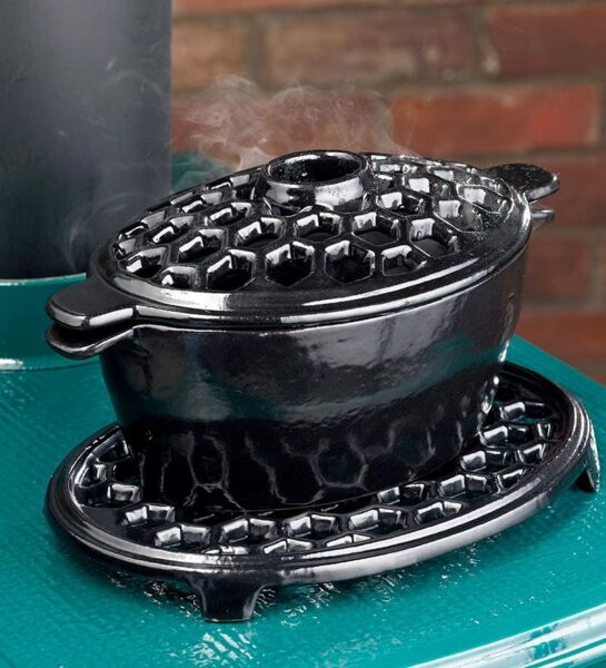 2 Quart Cast Iron Lattice Wood Stove Steamer  Humidifier & Trivet Set