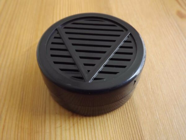 Other Quality Importers Black Round Cigar Humidor Humidifier 2 1/4