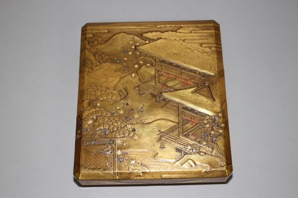(SS-36) Very High Grade Served Gold Leaf MAKIE  SUZURI Box