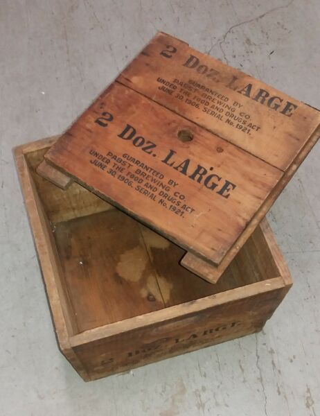 PABST BREWING CO. VINTAGE WOOD CRATE - RARITY!!- NICE CONDITION!!