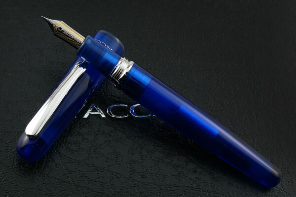 Taccia Spectrum Ocean Blue Fountain Pen Fine Nib