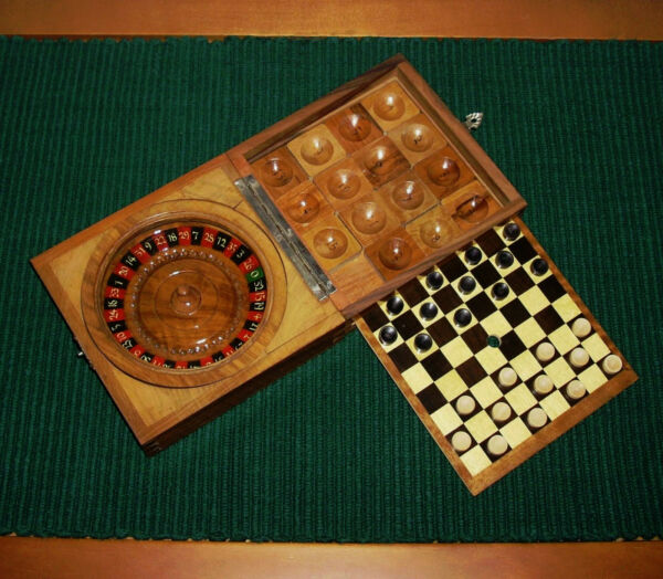 VINTAGE MINIATURE TRAVELING WOOD WOODEN ROULETTE WHEEL 3 IN 1 GAME BOX RARE FIND