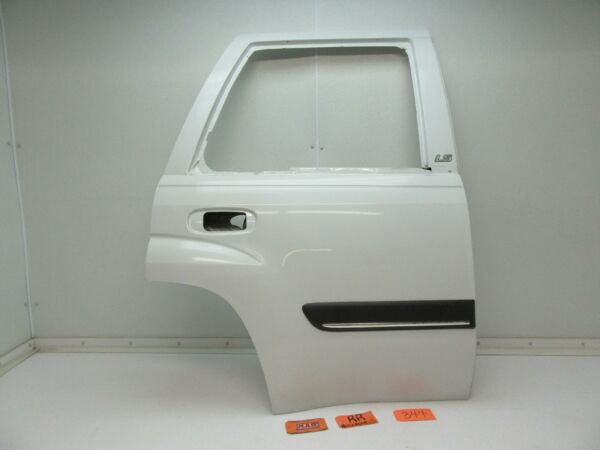 02 03 04 TRAILBLAZER BACK REAR DOOR PANEL SHELL R RH RR PASSENGER OUTER MOLDING
