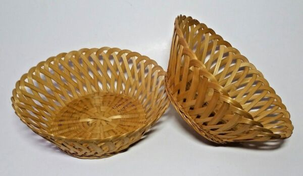 2 Bamboo Round Baskets Matching Fruit Vegetable Produce Bread Scalloped Edges