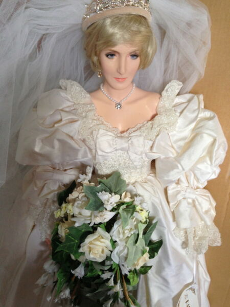 Princess Diana # 310  GORGEOUS Paul Crees Figural Artist  MEMORIAL EDITION