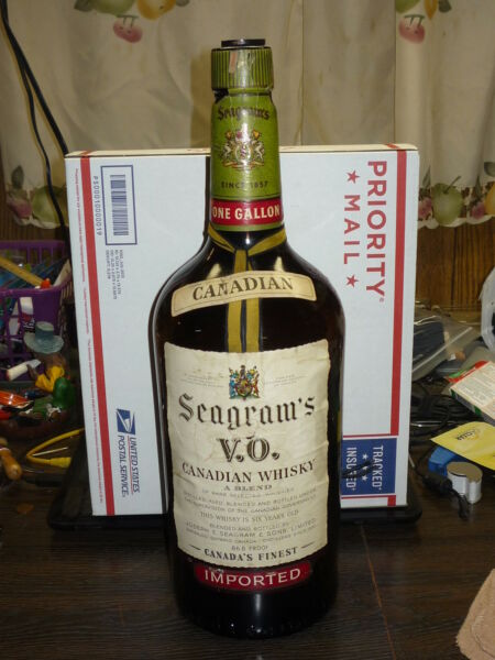 Vintage 1 GALLON SIZE seagrams VO Canadian Whiskey Liquor Bottle Lamp