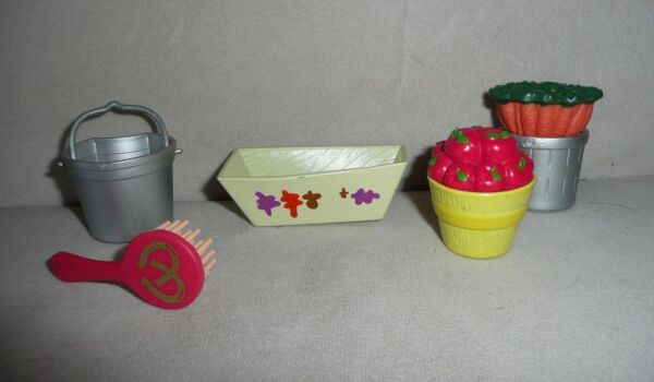Grand Champions Stable Horse Accessories Apple Barrel Carrots Pail Brush