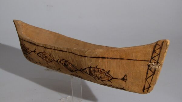 ABORIGINAL LARGE CANOE PYROGRAPHY FISH OLD