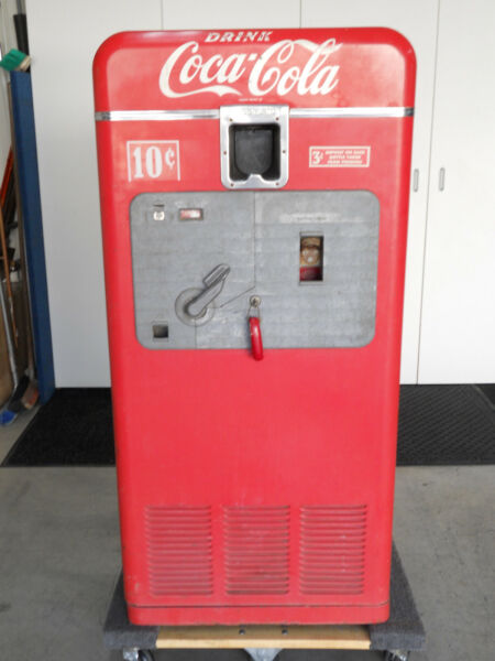 Vintage Coca Cola Vending Machine Vendorlator Model VMC 27A