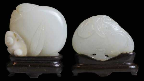 Chinese Antique Two Carved Jade Fruits - 1977年匹茲堡卡內基藝術博物館收購