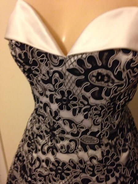 Vicky Tiel Black Lace Sweetheart Neck Strapless Cocktail Dress Size 10 NWT
