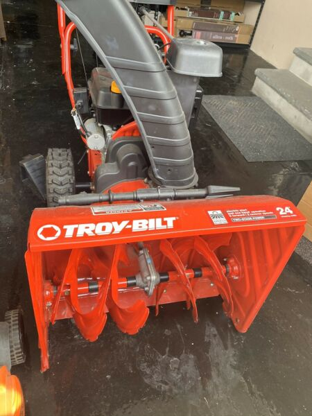 New Troy-Bilt Storm 24 in. W 208 cc Two-Stage Pull and Electric Start Gas Snow