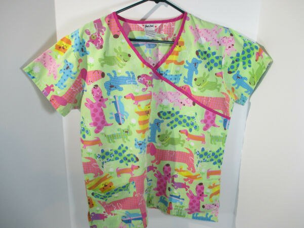 Scrub Top Dogs Just Love Size M Green Pink Pocket S S V Neck Uniform Nurse Vet $18.33