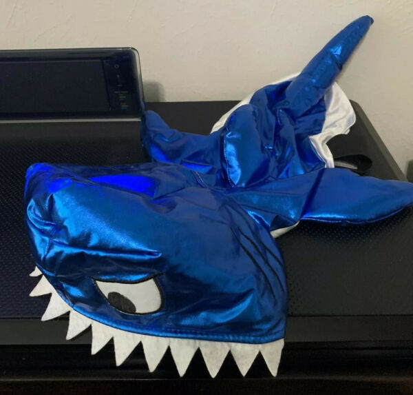 Dog Shark Costume For Small Dogs Size Large $8.00