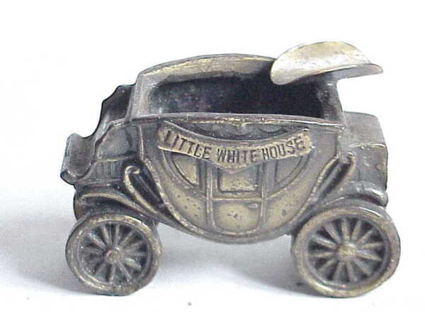 Vintage Small Stage Coach Ashtray Franklin Roosevelt Little White House