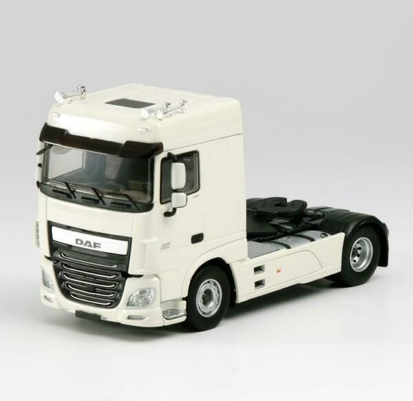 DAF XF EURO 6 LOW ROOF white - Body Artw tractor 143 DIECAST MODEL FINISHED