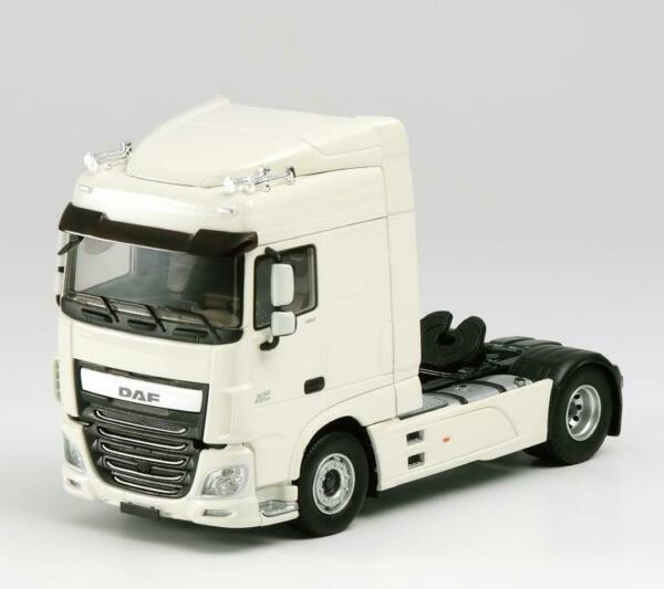 DAF XF EURO 6 106 SPACE CAB white tractor  with Oil tank Set of 2 143 DIECAST