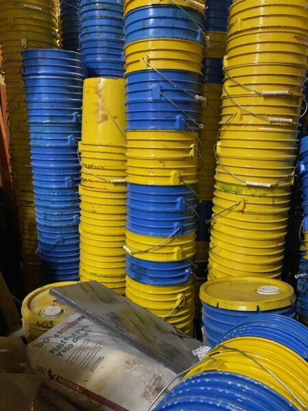 Used 5 Gal plastic bucket. 5 Gallon plastic pail. Pick Up Only. We do not ship.